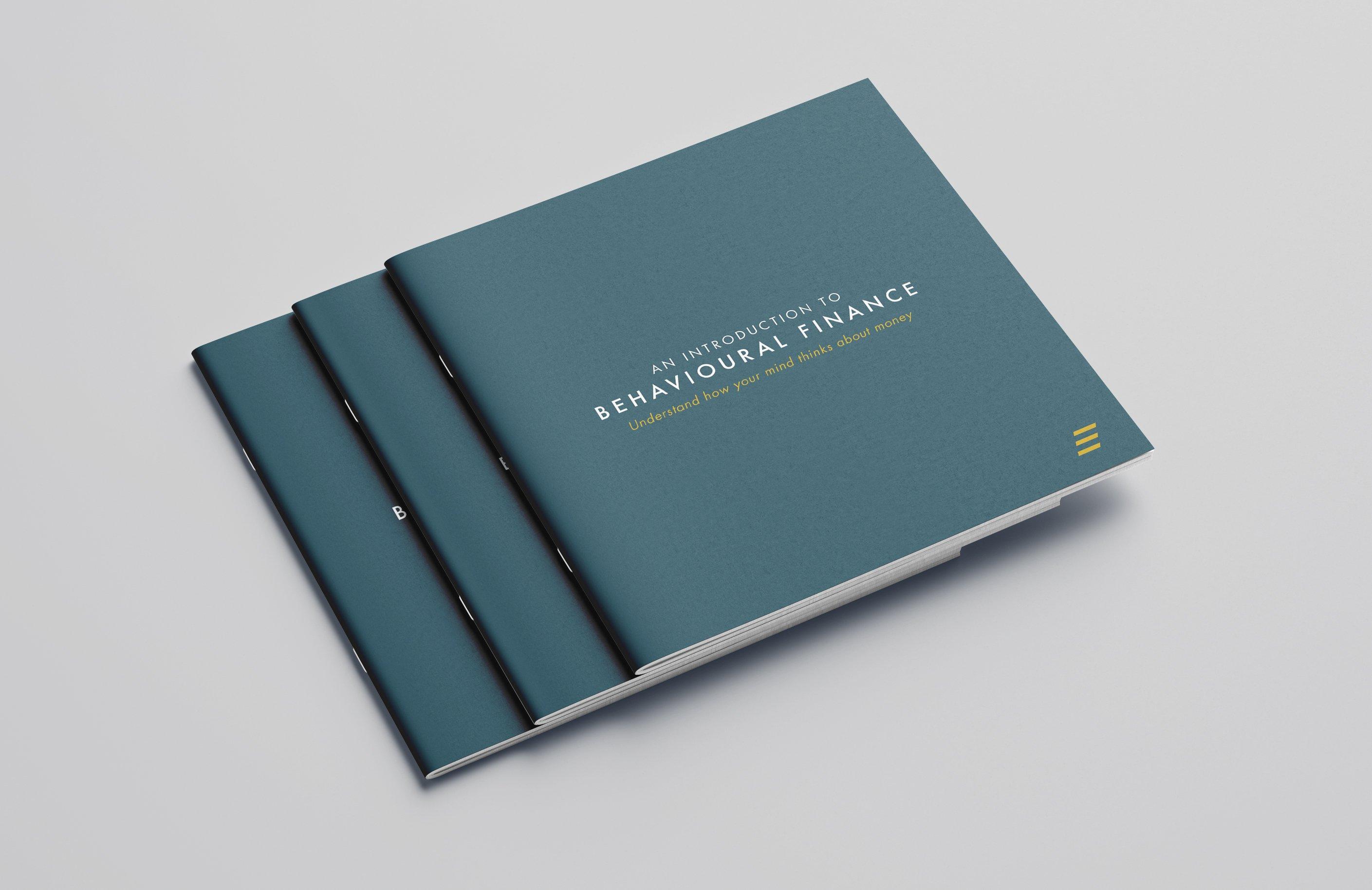 Free_Square_Brochure_Mockup_02